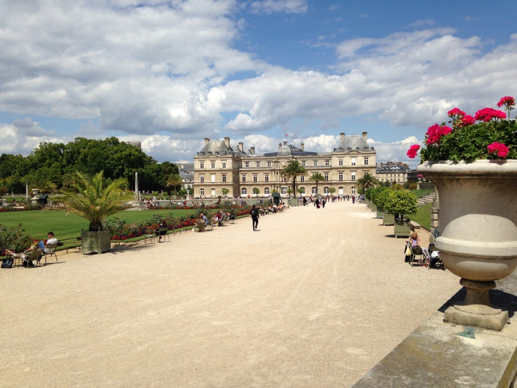 We were lucky enough to have better weather for our second walk through the Luxembourg Gardens; Reid Hall is only a twenty-minute walk away from Notre Dame and the Île de la Cité.