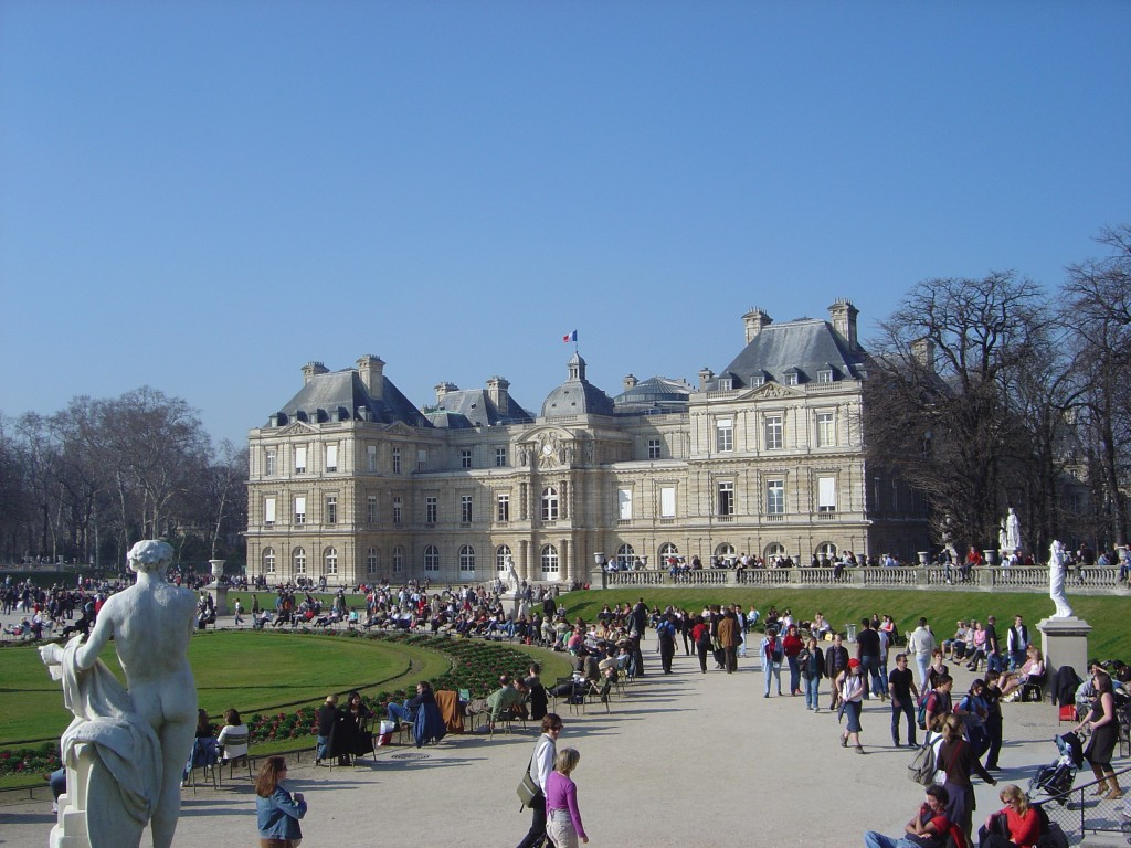 French_Senate_seen_from_Luxembourg_Gardens_dsc00746