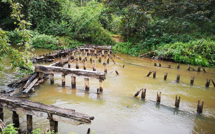 This bridge has twice been swept away by cyclones