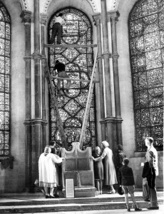 Removal of the stained glass from Canterbury Cathedral