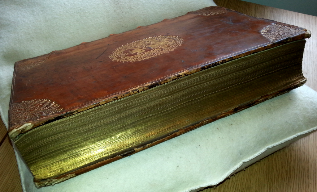 Full gilt edges from the book 'Sancti Bonaventurae ex Ordine Minorum S.R.E. Episcopi Card. Albanen. eximii Eccles. doctoris Opera'