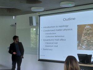 Leon Schoonderwoerd talking at the University of Kent Researcher's Showcase 2019