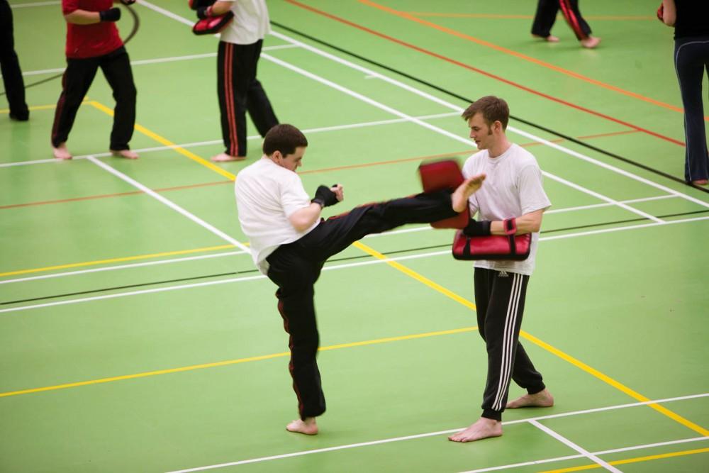 Student skick boxing