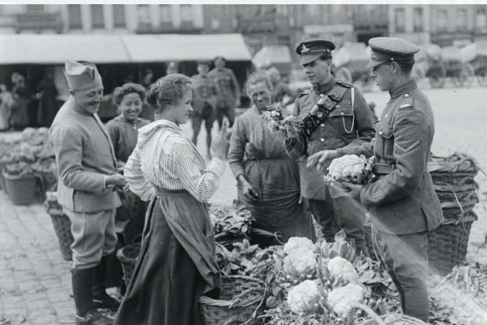 Saint Omer market, 1918, Image: IWM